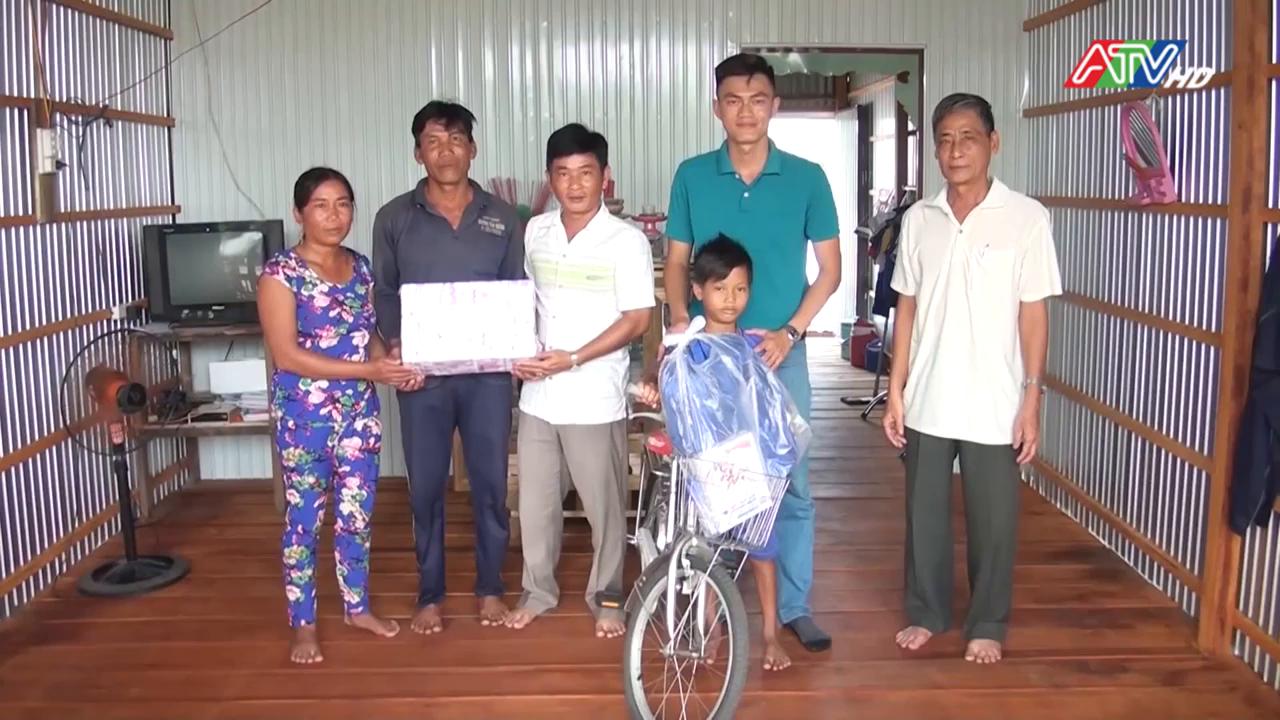 UBMTTQ Việt Nam xã Phú Hội bàn giao hai căn nhà đại đoàn kết cho hộ nghèo - Nguồn : ATV