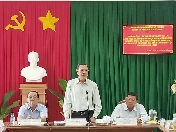 Phó Bí thư Tỉnh ủy Võ Anh Kiệt làm việc với huyện An Phú - Nguồn : ATV